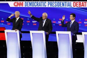Zľava Joe Biden, Bernie Sanders a Pete Buttigieg.