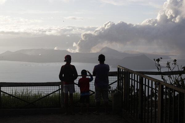 Sopka Taal ležiaca južne od filipínskej metropoly Manila.