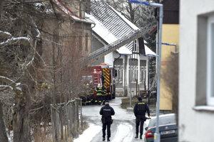Pri požiari zahynulo osem ľudí.