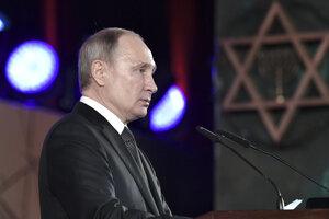 Ruský prezident Vladimir Putin na spomienkovej ceremónii.