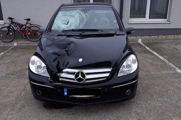 Syn vypátral toto auto na Jilemnického ulici.