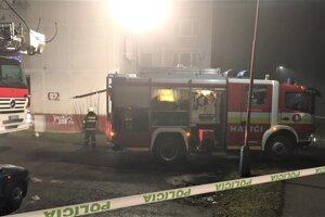 Na mieste zasahovalo 22 hasičov.