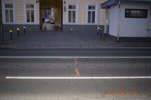 Nehoda sa stala na Kubínyiho námestí v Lučenci.