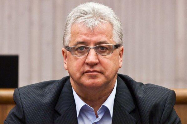 Priestupok Vincenta Lukáča uzavrel okresný úrad.