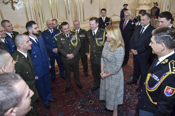 Prezidentka prijala ocenených vojakov.