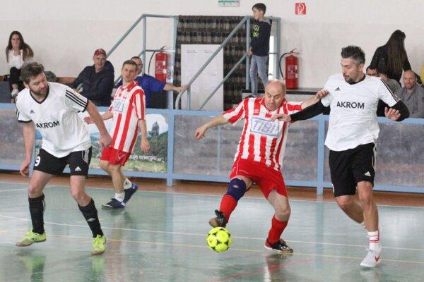 Snímka zo zápasu H. Kráľová - N. Hrnčiarovce.