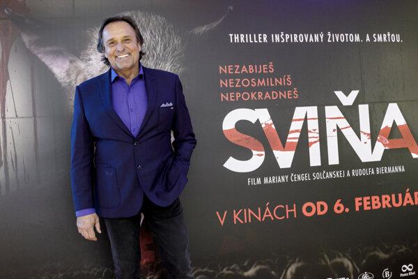 Vo filme Sviňa stvárnil Jozef Vajda mafiána Wagnera
