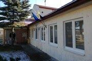 Na snímke kultúrny dom v Rovňanoch v okrese Poltár, v ktorom sídli aj obecný úrad a knižnica, v súčasnosti obnovujú.