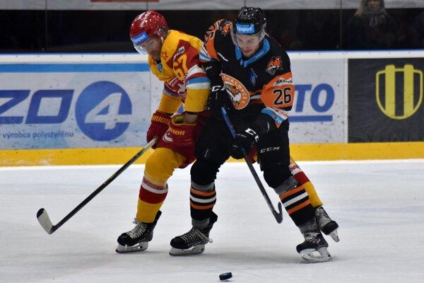 Tomáš Török (vľavo) nazbieral za Michalovce v úvodných dvoch zápasoch už tri body.