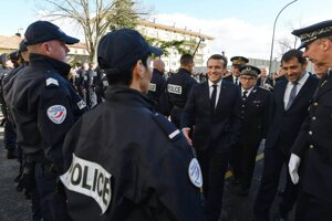 Macron na návšteve štvrti Bourtzwiller v meste Mulhouse.