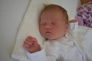 Lucia Kuviková (3940 g, 52 cm) sa narodila 13. februára Emílii a Pavlovi z Novej Dubnice.