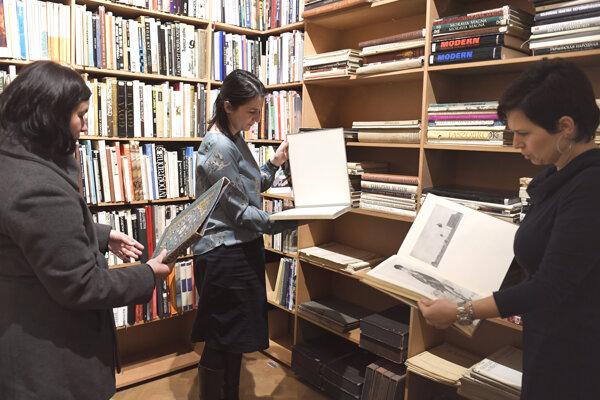 Knižnica je súčasťou Východoslovenskej galérie od jej začiatku.