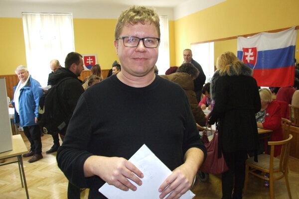 Zapisovate najväčšej komisie Tomáš Holúbek.