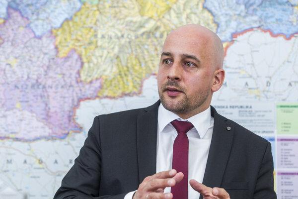 Predseda Strany maďarskej komunity (SMK) József Menyhárt.