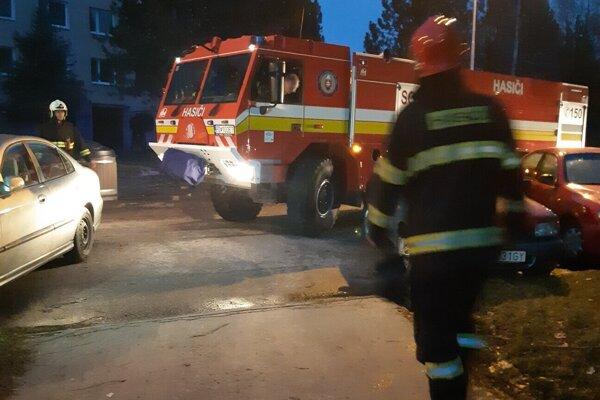 Simulovaný výjazd hasičov v Handlovej.