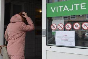 V žiarskej nemocnici stále platí zákaz návštev na všetkých lôžkových oddeleniach.