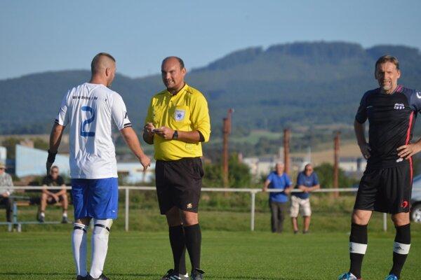 Stanislav Jaroš (v strede).