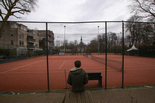 Prázdne ihrisko v Amsterdame.