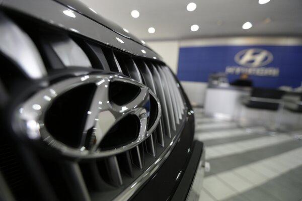 Logo automobilky Hyundai.