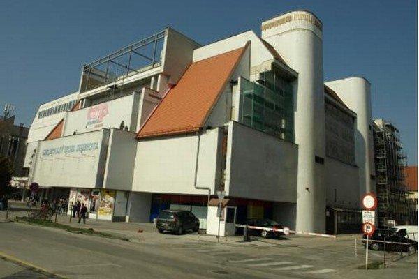 Obchodný dom Jednota prechádza rozsiahlou rekonštrukciou.