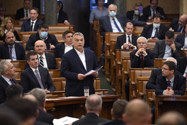 Premiér Orbán v parlamente.