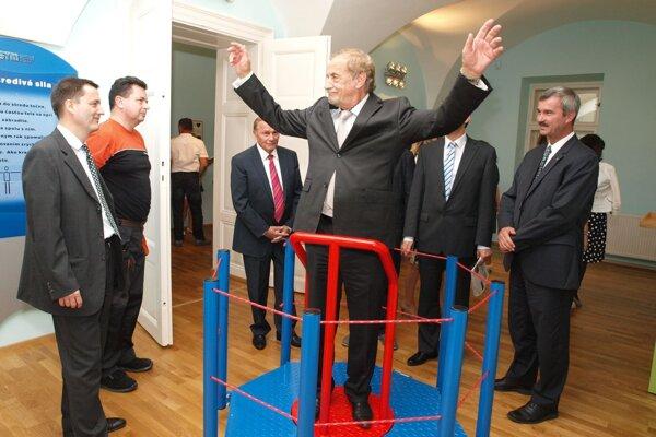Otvorenie vedecko-technického centra v r. 2013 v Slovenskom technickom múzeu.
