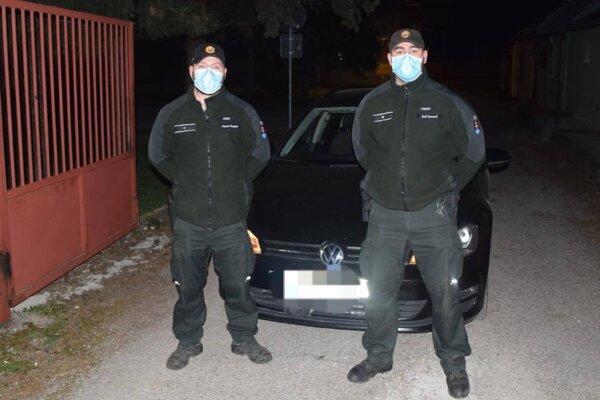 Policajti, ktorým sa podarilo pomôcť pri záchrane života.
