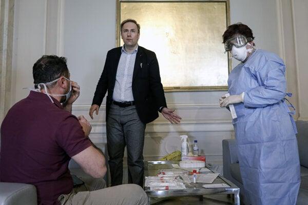 Rumunský minister zdravotníctva Victor Costache.