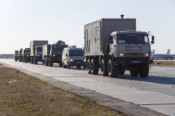 Ruský kontingent pred naložením do lietadiel IL 76.