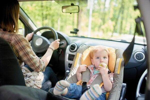 Ak veziete batoľa vo vajíčku na prednom sedadle, musíte vypnúť airbag.