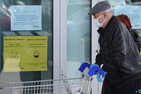 Mesto seniorom zabezpečí nákupy.