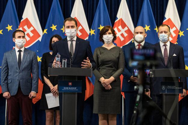 Premiér Igor Matovič informoval na tlačovej besede o aktuálnej situácii.