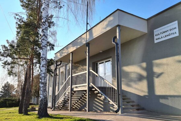 Kultúrny dom Malá Lehôtka.