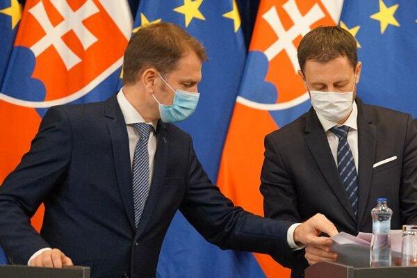 Zľava: Predseda vlády SR Igor Matovič, podpredseda vlády a minister financií SR Eduard Heger.
