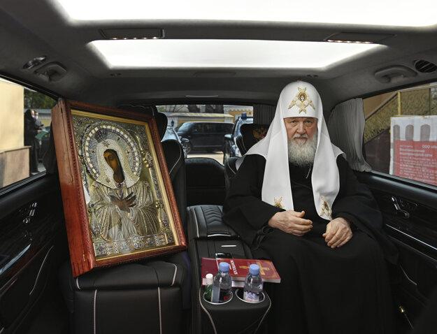 Ruský patriarcha žehná Moskve.