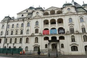 Štátne divadlo Košice presúva svoje predstavenia na online platformu.