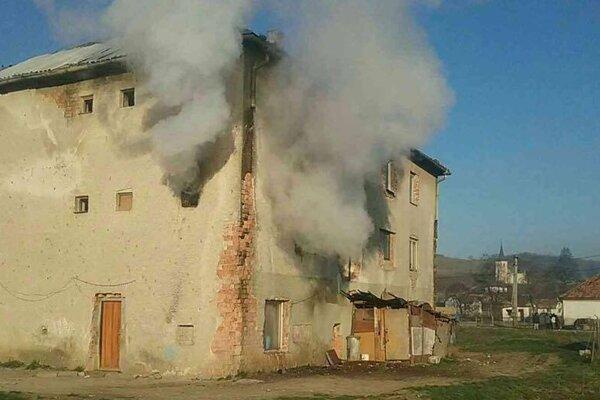 Na mieste požiaru.