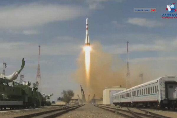 Ruská kozmická loď Sojuz MS-16 s novou posádkou pre ISS štartuje z kozmodrómu Bajkonur.