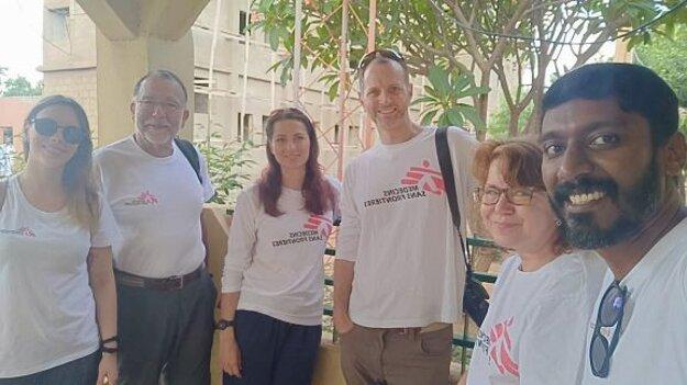Kolegovia z misie Lekári bez hraníc v Nigérii.