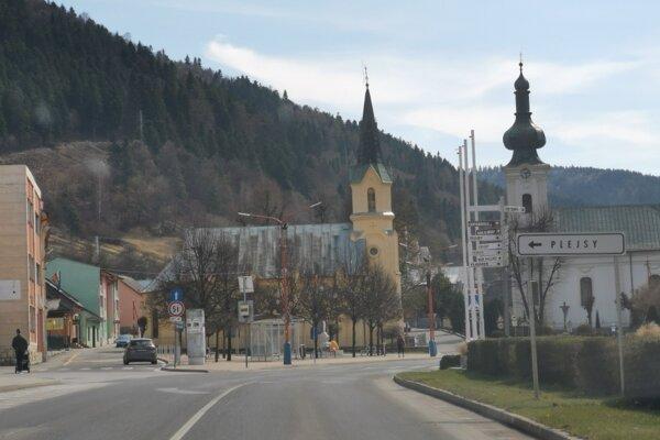 Polícia zadržala hľadaného cudzinca v Krompachoch.