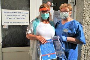 Ochranné štíty dostali tiež mnohé kliniky martinskej nemocnice.