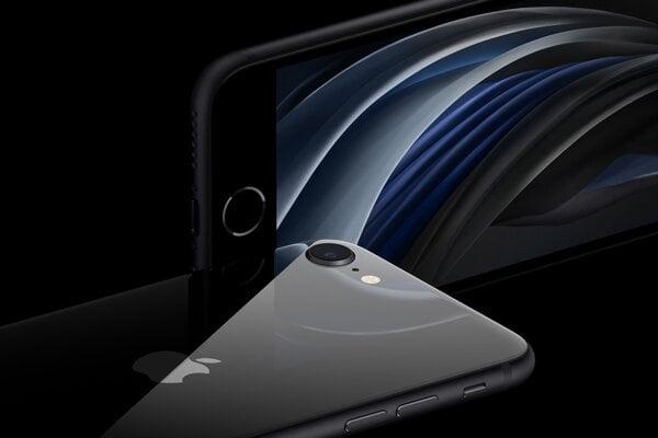 Nový iPhone SE sa bude dať predobjednať od zajtra, do predaja sa dostane o týždeň. Cena najlacnejšieho modelu začína od 479 eur.