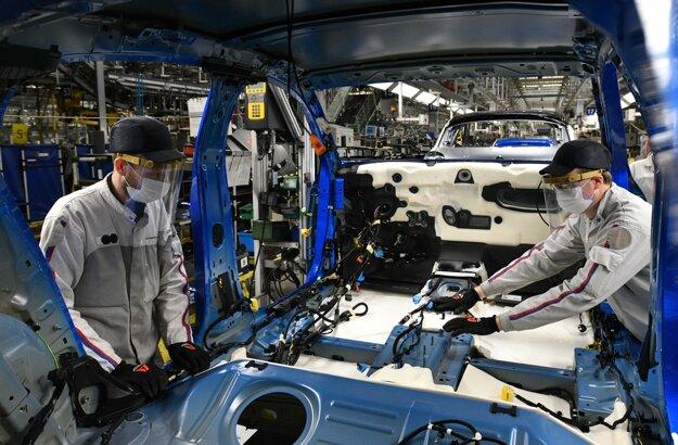 Aktuálne vytvára automobilka v Trnave okolo 4500 pracovných postov.