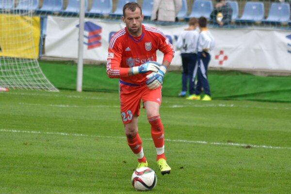 Marián Kelemen v drese materských Michaloviec, ktorým v sezóne 2015/16 dopomohol k záchrane v prvej lige.