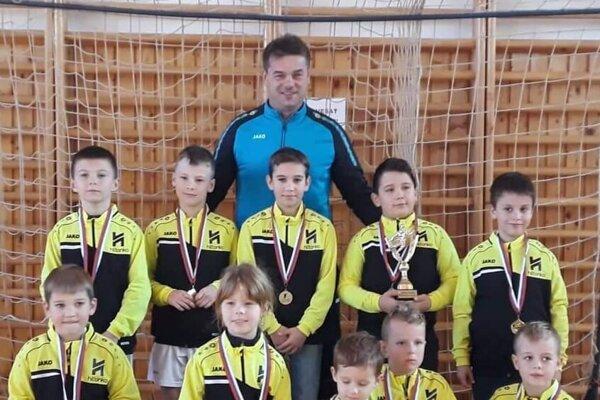 Mladé futbalové talenty.