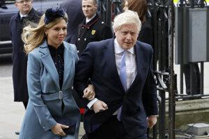 Boris Johnson a jeho snúbenica Carrie Symondsová.