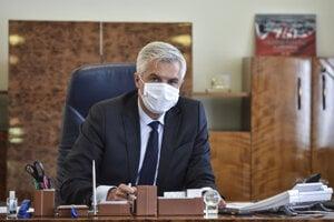 Minister zahraničných vecí a európskych záležitostí SR Ivan Korčok počas telefonátu s generálnym tajomníkom NATO Jensom Stoltenbergom.