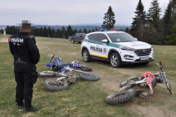 Akcia policajtov a ochranárov v katastri Námestova.