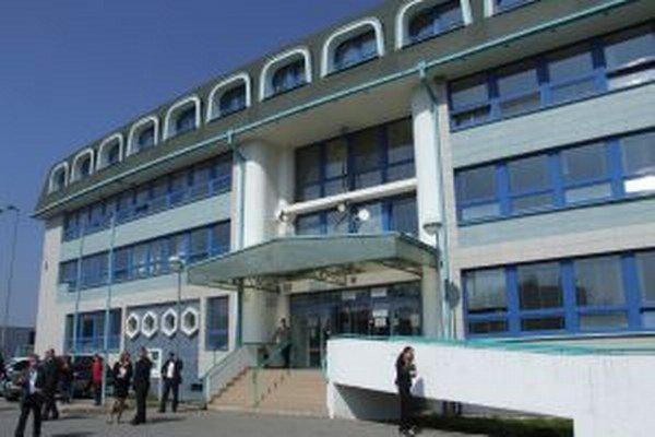 Nové klientske centrum dnes otvorili v priestoroch Okresného úradu v Žarnovici.