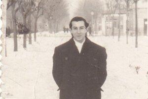 Oliver Rácz starší na fotografii krátko po vojne. Počas nej sa istý čas ukrýval v krypte pod kostolom.
